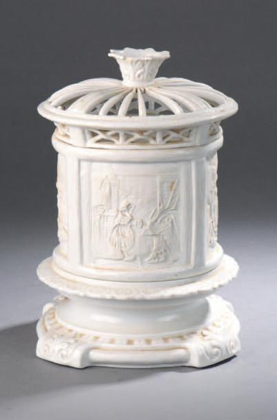 Veilleuse en porcelaine émaillée blanche...