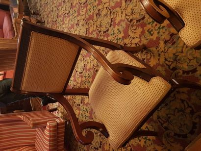 Paire de fauteuils à décor de grecques