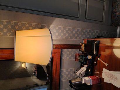 Lampe colonne style loupe