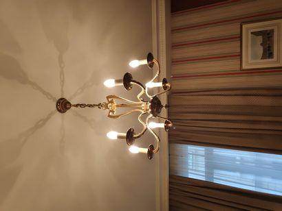 Lustre en bronze à six lumières style Louis...