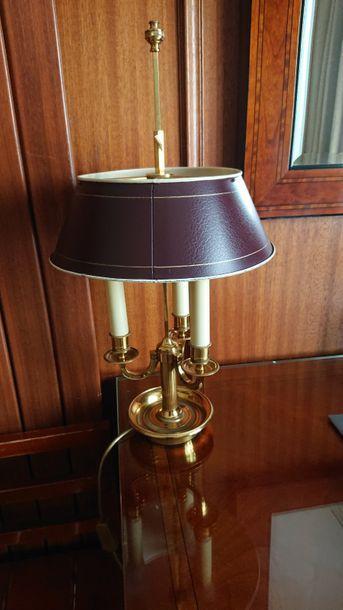 Lampe bouillotte à trois lumières, abat-jour...