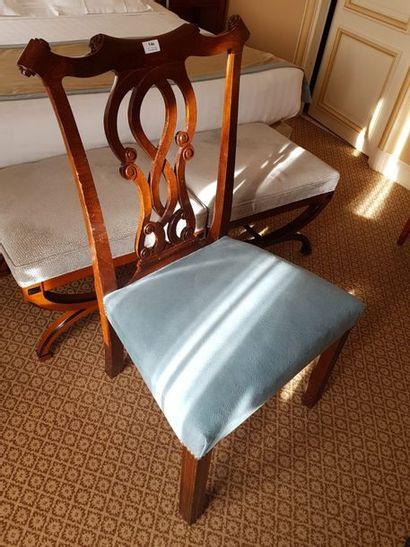 Large chaise à enroulement style anglais,...