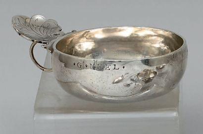 Tasse à vin en argent uni marqué «G. Neel»....