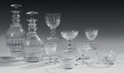 Service de verres à pied en cristal taillé...