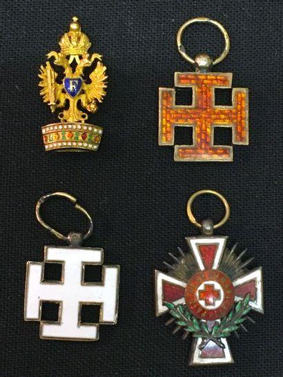 Autriche - Lot de quatre miniatures: ordre...