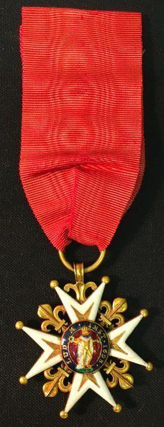 Ordre de Saint-Louis, Régence, croix de chevalier en or et émail, les pointes pommetées...