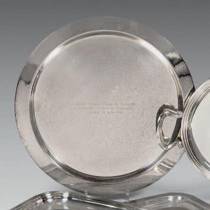 - Urne couverte simulée en métal argenté...