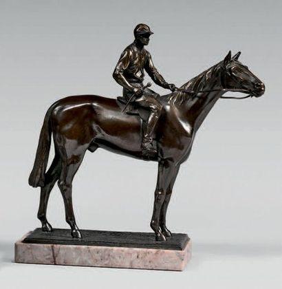 Statuette de jockey à cheval, à l'arrêt,...