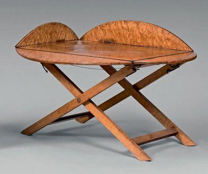 Table basse à plateau ovale à volets en érable...
