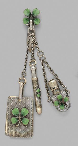 Châtelaine en argent et métal guilloché,...