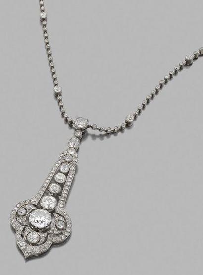 Collier articulé en platine 850 millièmes et or gris 750 millièmes orné de petits...
