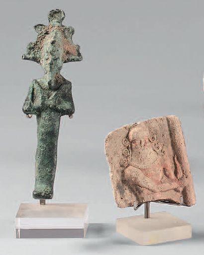 Lot composé d'une Osiris en bronze et d'une...