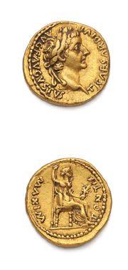 TIBÈRE (14-37) Auréus. Lyon (ap. 16). 7,83 g. Sa tête laurée à droite. R/ Livie...