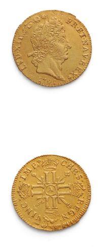 Louis d'or aux huit L et aux insignes. 1701....