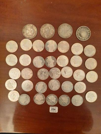100 francs argent: 34 exemplaires variés....