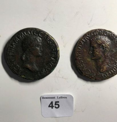 Sesterce: 2 exemplaires. Agrippine mère - Caligula. Revers variés. Les 2 monnaies....