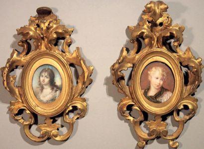 Deux miniatures ovales: portraits de jeunes...