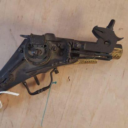 Pistolet à rouet allemand. Canon rond à pans...