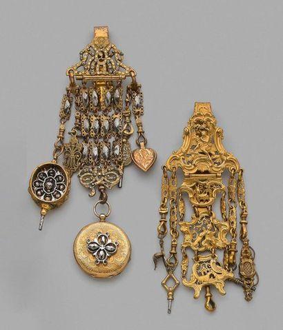 Deux châtelaines en pomponne et métal doré à décor de cartouches rocaille animés...