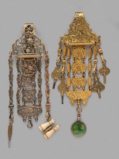 Deux châtelaines en pomponne et métal doré...