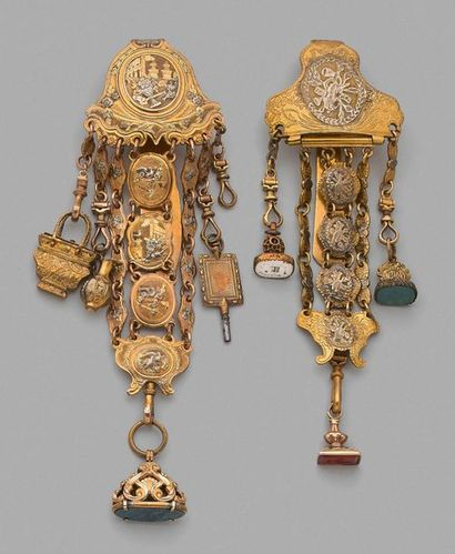 Deux châtelaines en pomponne, décorées de...