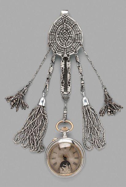 Châtelaine en acier et perles d'acier facettées...