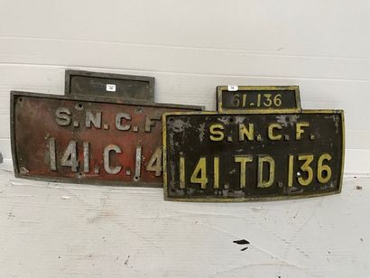 Deux plaques en fonte de locomotive 141 TD...