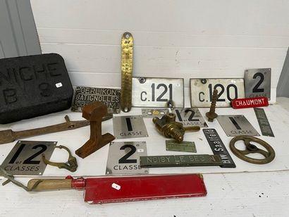Lot d'accessoires de machine à vapeur dont,...
