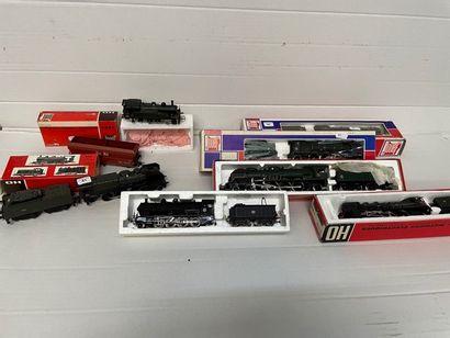 JOUEF: motrices et locomotives dont, PACIFIC...