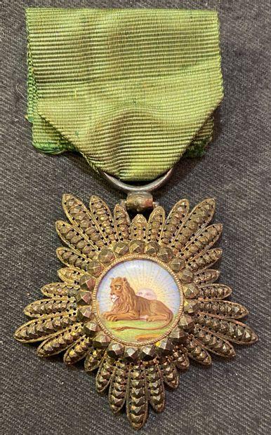 Perse / Iran - Ordre du Lion et du Soleil, bijou d'officier en forme de...