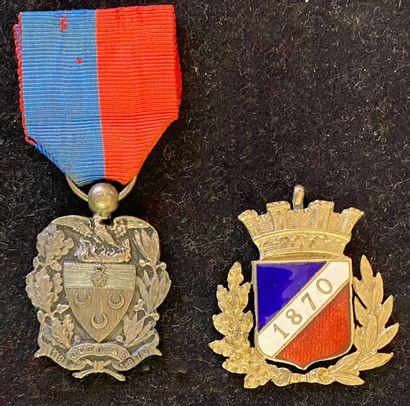 1870-1871. Lot de deux : une médaille des...