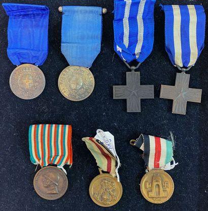 Italie - Lot de sept : deux médailles de...