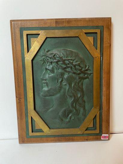 Profil de Christ en bronze patiné.
