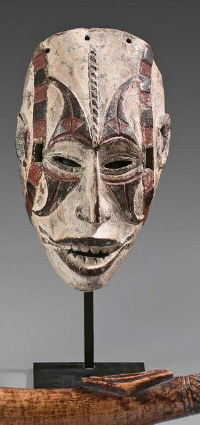 Masque agbo-gho mmuo Igbo, Nigeria. Bois...
