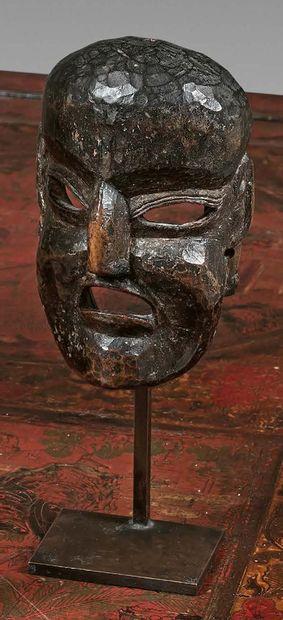 Masque Arunachal Pradesh (?), Népal. Bois à patine brun foncé noir. Hauteur : 14...