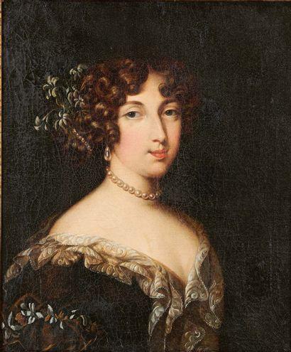 École FRANÇAISE de la fin du XVIIIe siècle Portrait de femme Huile sur toile, rentoilée....