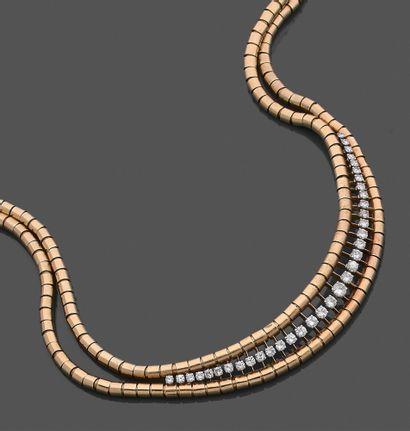 Collier double rangs de motifs cylindriques...
