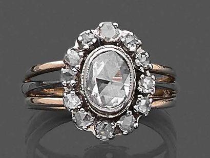Bague en ors 750 millièmes ornée d'un diamant...