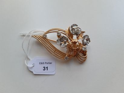 Brooch flowers in yellow gold wire 750 thousandth...
