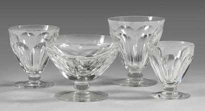Partie de service de verres en cristal de...