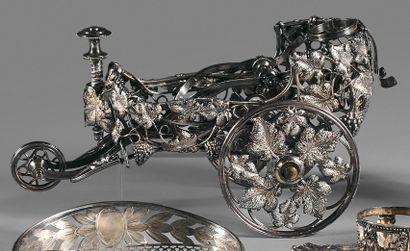 Chariot à bouteille en métal argenté orné...