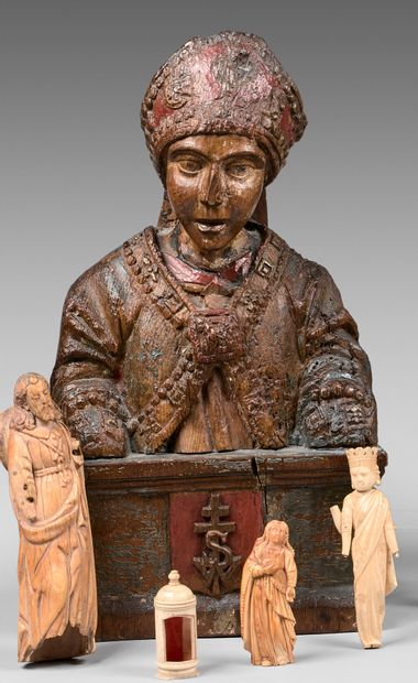 Buste reliquaire en bois sculpté polychrome...