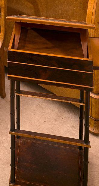 Table travailleuse en palissandre et bois...