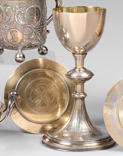 Calice et patène en argent et métal gravé...