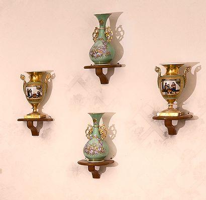 Tisanière montée en lampe, paire de vases...
