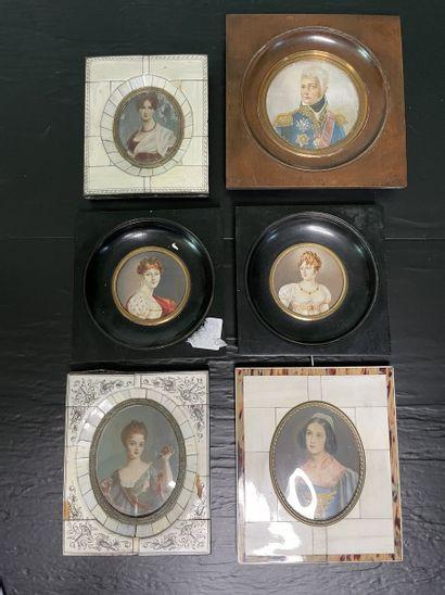 Ensemble de six miniatures, cadres en ivoire...