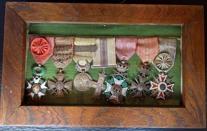 Portée de sept décorations : Légion d honneur,...