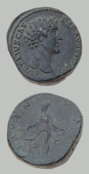 MARC AURÈLE (161-180) Sesterce. Sa tête jeune...