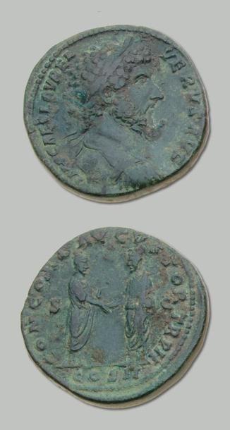 LUCIUS VERUS (161-169) Sesterce. Son buste...