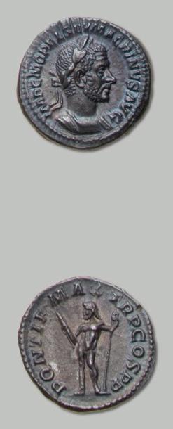 MACRIN (217-218) Denier. Son buste lauré,...